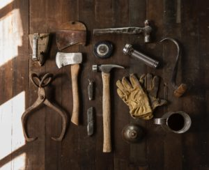 4 Easy Home Repairs that You Should Learn to Do Yourself